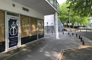 L'espace Dynamique Sophro à l'angle de la rue de la Biscuiterie et du quai Ferdinand Favre. Nantes
